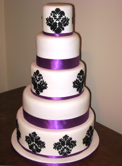Black, white and purple wedding cake {via simmer.co.nz} | The Merry ...