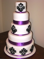 Black, white and purple wedding cake {via simmer.co.nz}