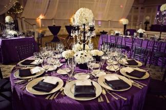 Black, white and purple wedding reception {via weddingwoof.com}