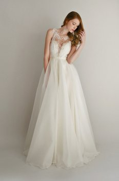Lace and silk chiffon wedding dress (US$2878) - www.etsy.com/shop/Leanimal