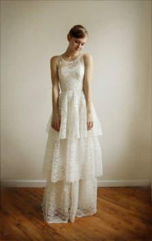 Lace wedding dress (US$1250) - www.etsy.com/shop/Leanimal