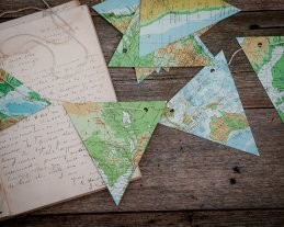Map bunting - www.etsy.com/shop/theStoryOfVintage