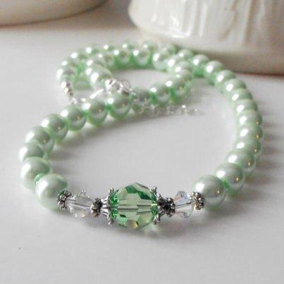 Mint and white bridesmaid necklace - www.etsy.com/shop/FiveLittleGems