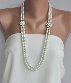 Pearl and rhinestone necklace - www.etsy.com/shop/HMbySemraAscioglu