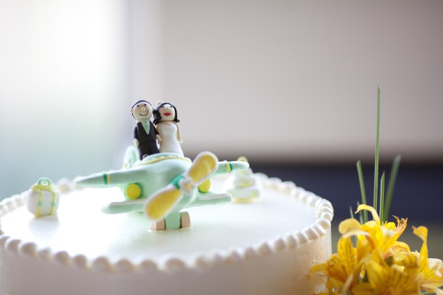 Travel wedding cake inspiration {via jennyleesjottings.wordpress.com}