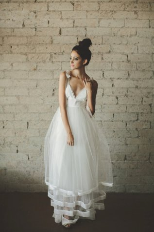 Tulle wedding dress (US$1280) - www.etsy.com/shop/ouma