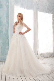 Tulle wedding dress (US$819) - www.etsy.com/shop/BridalLounge