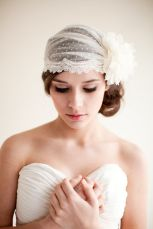 1920s-style hairstyle and veil {via emmalinebride.com}