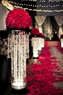 Amazing wedding aisle {via pinterest.com}