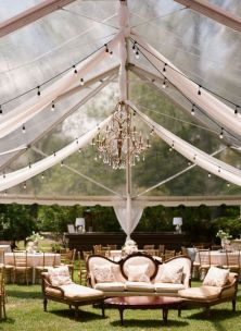 Beautiful mix of seating options {via thebridaldetective.com}