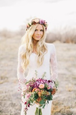 Boho-style waves and floral crown {via barefootblonde.com}