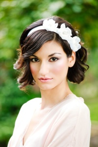 Hairstyle for short hair {via etsy.com}