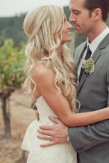 Long soft curls {via weddingchicks.com}