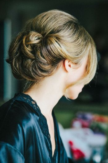Low updo {via stylemepretty.com}