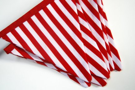Red and white striped bunting - www.etsy.com/shop/BlueMoonStudios
