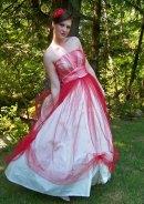 Red and white vintage wedding dress - www.etsy.com/shop/Cupidsarrow