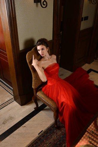 Red wedding dress - www.etsy.com/shop/LinvinaBridal