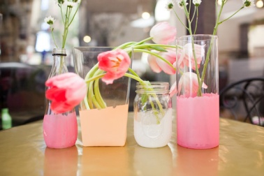 Watercolour wedding centrepiece idea {delovelyaffair.blogspot.com}