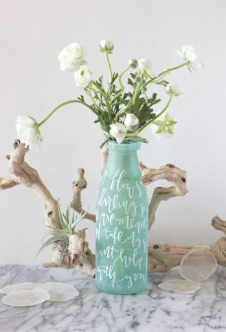 Writing on a vase tutorial - http://www.minted.com/julep/2014/04/23/lettered-vase-centerpiece-diy/