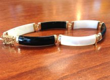 Black, white and gold bracelet - www.etsy.com/shop/TimelessBlue