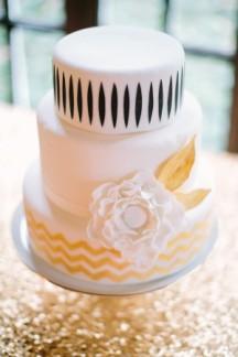 Black, white and gold wedding inspiration {via elizabethannedesigns.com}