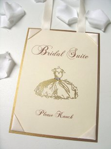 Bridal suite sign - www.etsy.com/shop/ScenicWoodsPaperie
