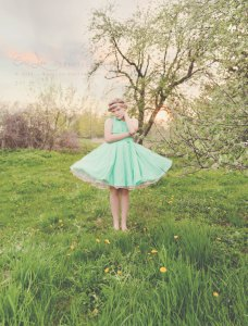Mint 1950s-inspired bridesmaid dress with petticoat - www.etsy.com/shop/StaysiLee