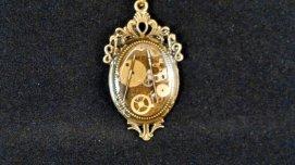 Steampunk pendant - www.etsy.com/shop/SkyesClockworkHearts