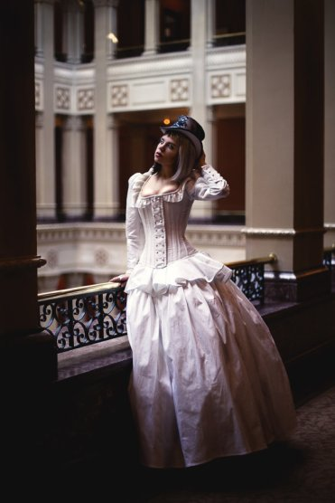 Steampunk wedding dress - www.etsy.com/shop/KMKDesignsllc