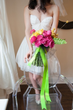 Neon bouquet idea {via ruffledblog.com}