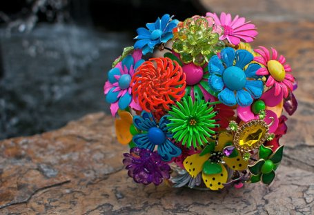 Neon brooch bouquet - www.etsy.com/shop/LionsgateDesigns