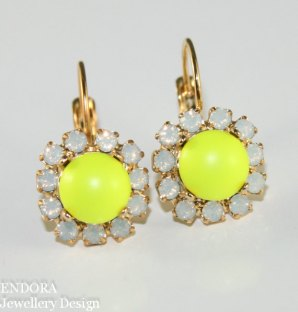 Neon yellow earrings - www.etsy.com/shop/EndoraJewellery