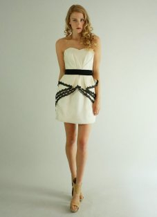 Short black and white reception dress - www.etsy.com/shop/Leanimal