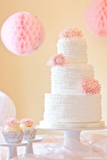 Dahlia wedding cake {via sugarruffles.com}