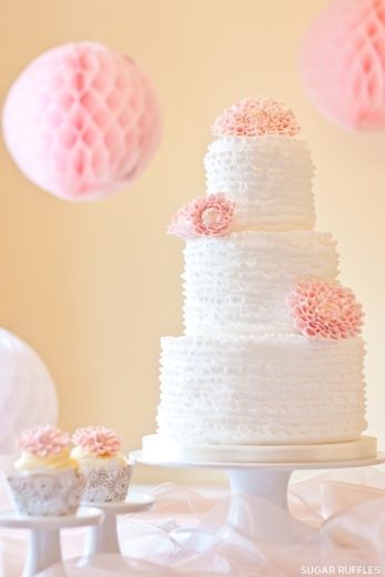 Dahlia wedding cake {via sugarruffles.com}