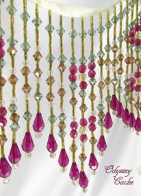 Fuchsia and gold beaded garland - www.etsy.com/shop/OdysseyCache