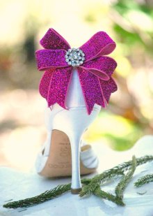 Fuchsia bow shoe clips - www.etsy.com/shop/sofisticata