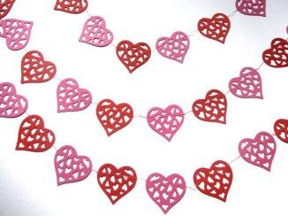 Heart garland - www.etsy.com/shop/MurisAndAJ