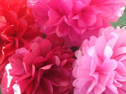 Pink and red tissue-paper pompoms - www.etsy.com/shop/pompomShouse