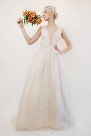 Silk wedding dress - www.etsy.com/shop/PantoraBridal