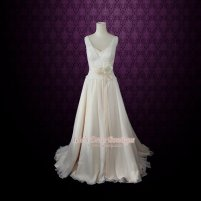 Chiffon wedding dress (US$499) - www.etsy.com/shop/ieie