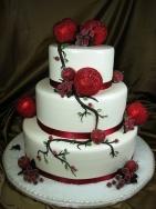 Christmas wedding cake {via weddingomania.com}