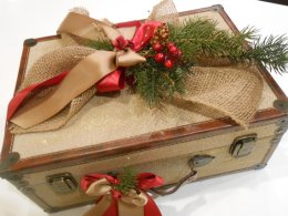 Christmas wedding card box - www.etsy.com/shop/TheLaceMoon