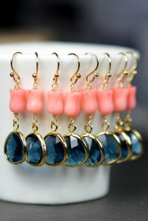Coral and navy bridesmaid earrings - www.etsy.com/shop/thefabwedding2