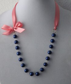 Coral and navy necklace - www.etsy.com/shop/JewelrybyAshNicole