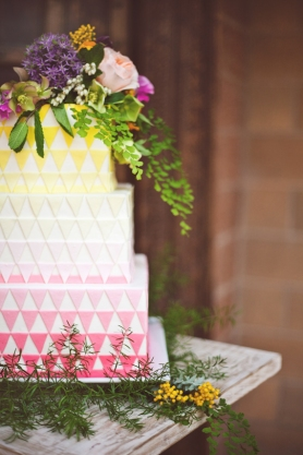 Geometric wedding cake {via 100layercake.com}