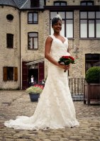 Lace wedding dress (US$459.95) - www.etsy.com/shop/ieie