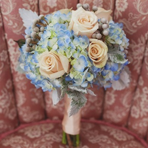 Peach and light blue wedding bouquet inspiration {via theknot.com}