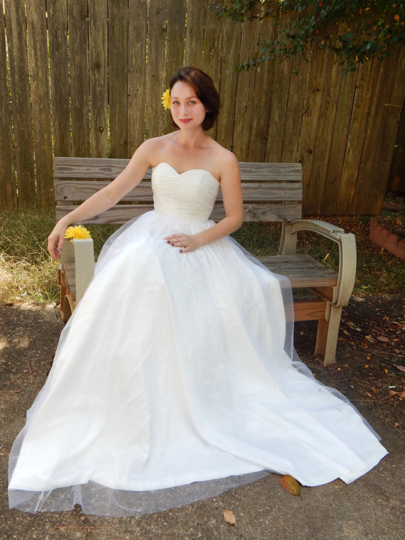 Tulle wedding dress us 350 for Wedding dresses for 500 or less