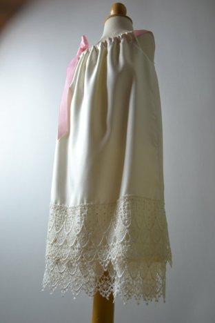 Lace-hem flower girl dress - www.etsy.com/shop/beaneandco